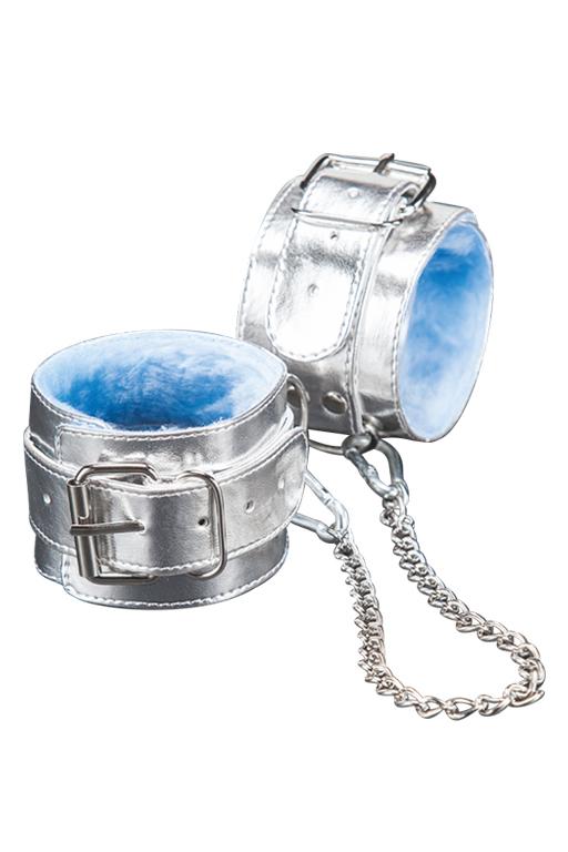 Оковы серебряные с голубым мехом